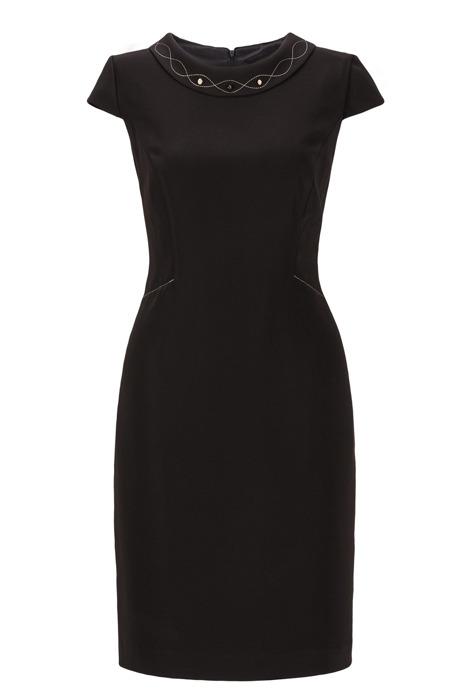 Sukienka Dagon 2225 czarna z ozdobą przy szyi