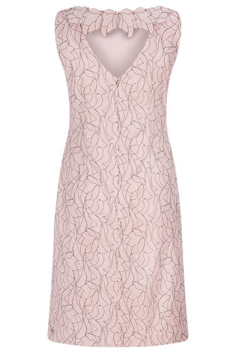 Sukienka Dagon 2584 różowa z ozdobnym kwiatem