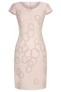 Sukienka Dorota pudrowy róż w geometryczne koła